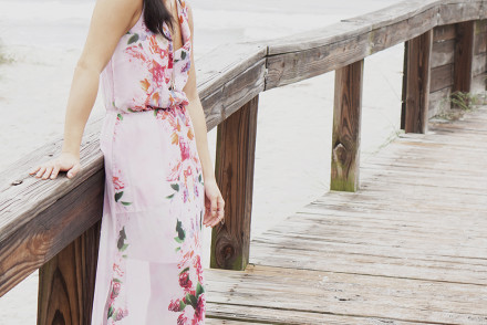 Miki à la Mode - Style & Travel Blog  Beautiful beach maxi dress. Outfit details on http://mikialamode.com Follow on Bloglovin at https://www.bloglovin.com/blogs/mikialamode-14478629  #fashionblog #styleblog #lifestyle #ootd #maxidress