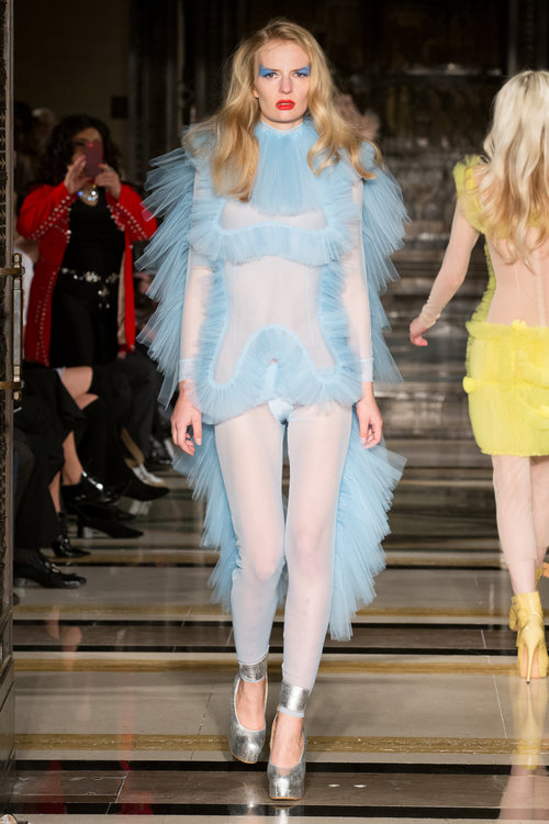 Pam_hogg_London_Fashion_Week_Spring_Summer_2018_SS18_Day_1_Tulle_Look_fashion_style_blogger