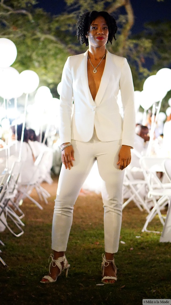 Diner_en_Blanc_Orlando_Paris_White_Party_Style_Outfit_Accessories17