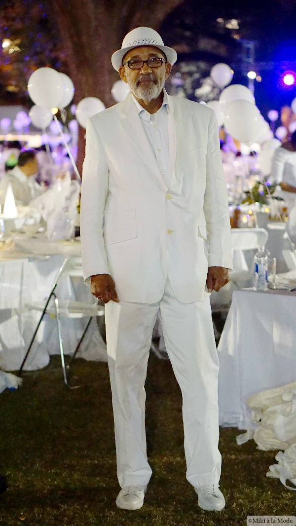 Diner_en_Blanc_Orlando_Paris_White_Party_Style_Outfit_Accessories40