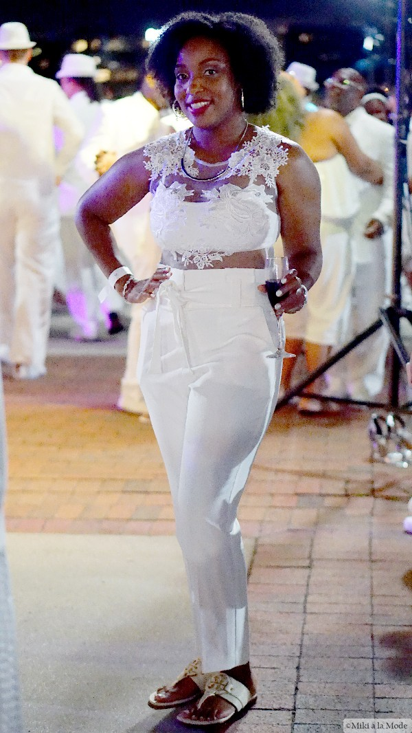 Diner_en_Blanc_Orlando_Paris_White_Party_Style_Outfit_Accessories50