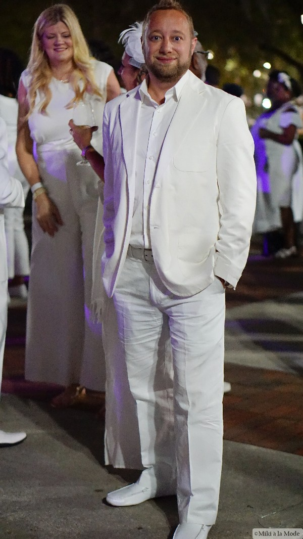 Diner_en_Blanc_Orlando_Paris_White_Party_Style_Outfit_Accessories57