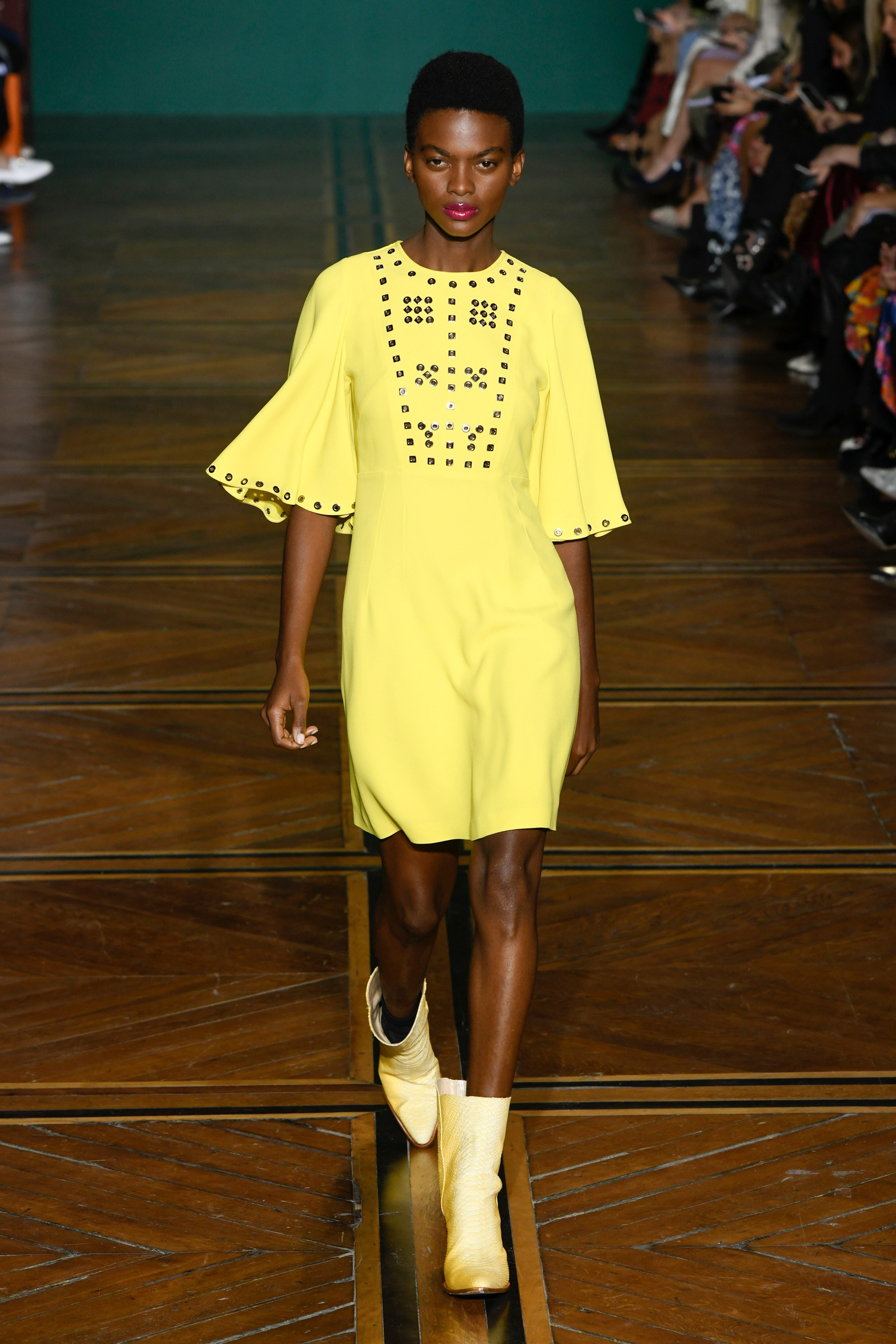 96Andrew_Gn_Spring_Summer_2019_ss19_paris_fashion_week_look_9